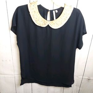 Bellatrix top with pearl collar xs